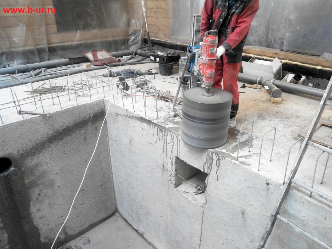 Работы в бассейнах